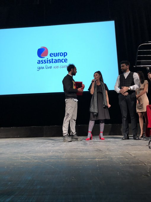 """. @lacristina di @EA_Italia premia """"Da Pechino col Pandino"""" nella categoria """"Rivelazione Travel Dell'anno"""" 📸🥇#FDR18 #MIA18 Foto"""