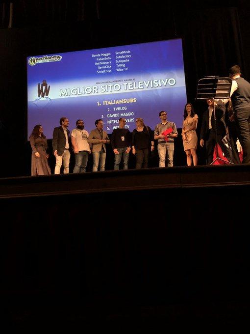 """.@italiansubs in massa si aggiudicano il premio 🏅""""Miglior Sito Televisivo"""". #MIA18 #FDR18 Foto"""