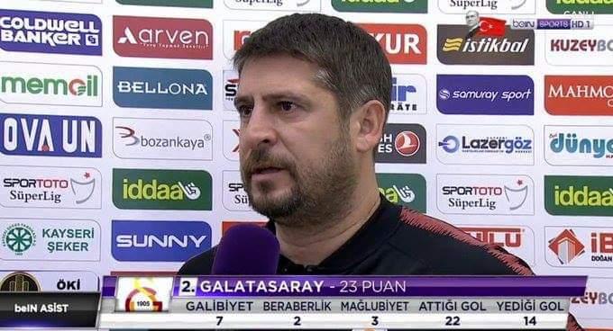 Muhabir: Bugün, tamamı ilk 11 oyuncusu olan 7 eksikle Kayseri gibi zor bir deplasmana geldiniz. Kadro kurmak zor olmadı mı? Ümit Davala: Sahada 11 Galatasaraylı oldukça eksik yok. 😎 Fotoğraf