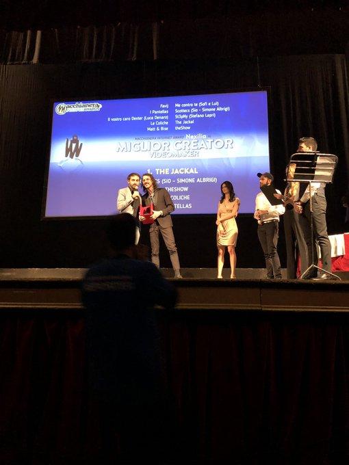""".@NexiliaIT premia @_the_jackal come """"Miglior Creator Videomaker"""" 🍾🎊👏🏻 #MIA18 #FDR18 Foto"""
