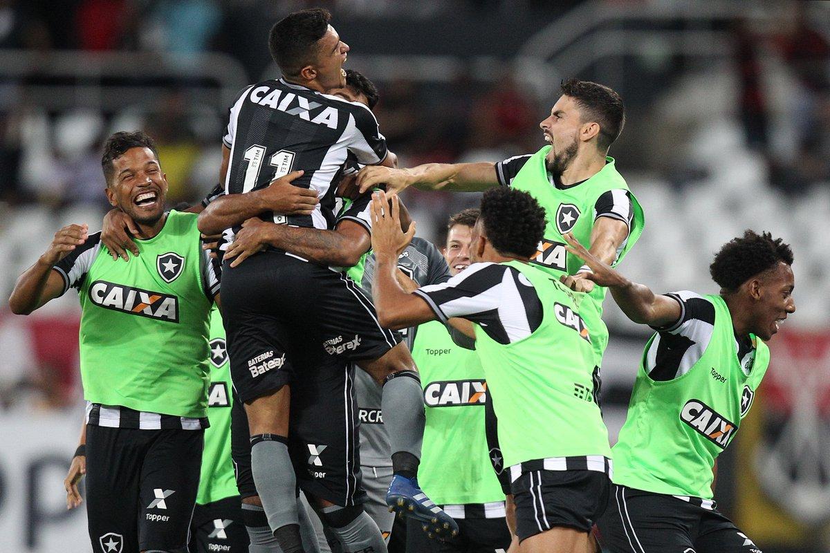 AQUI É BOTAFOGO DE FUTEBOL E REGATAS! FOGÃO se impõe em casa e vence o  Flamengo por 2 a 1! Os gols alvinegros foram de Erik e Leo Valência! ce0ef806a226c
