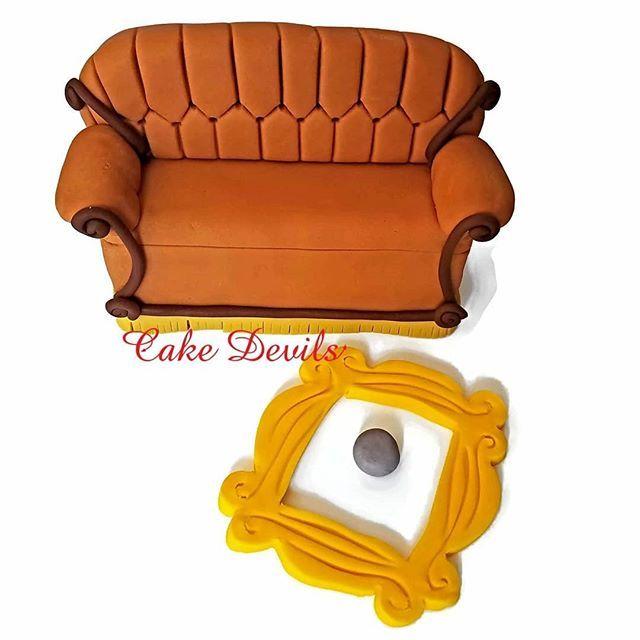 Friends Friendstvshow Caketopper Handmade Fondant Couch Centralperk Sofa Cakedecoration Yellowframe Rachelmonica Howyoudoin