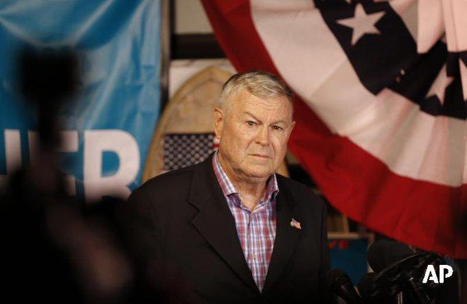 В США сторонник диалога с Россией проиграл выборы в Палату представителей Фото