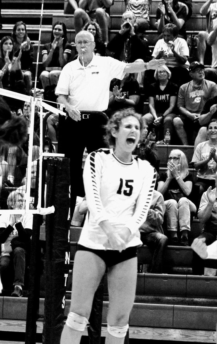 Congratulations to sophomore setter Jazmine Yamilkoski who becomes the Xavier single season assist record holder. Jazmine collected 1,005 assists in 2018. She was also a 1st team MVC and 1st team metro selection. Congratulations Jazmine!