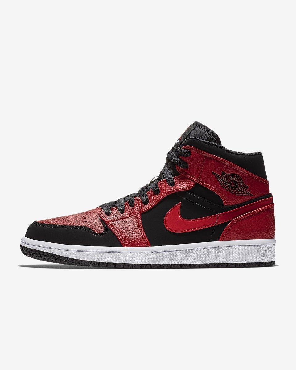 69300d89858735 Sneaker Myth on Twitter