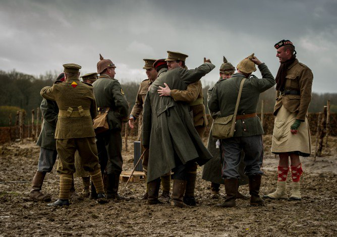 Wwi Christmas Truce.Peace And Sport On Twitter Today We Commemorate The End Of