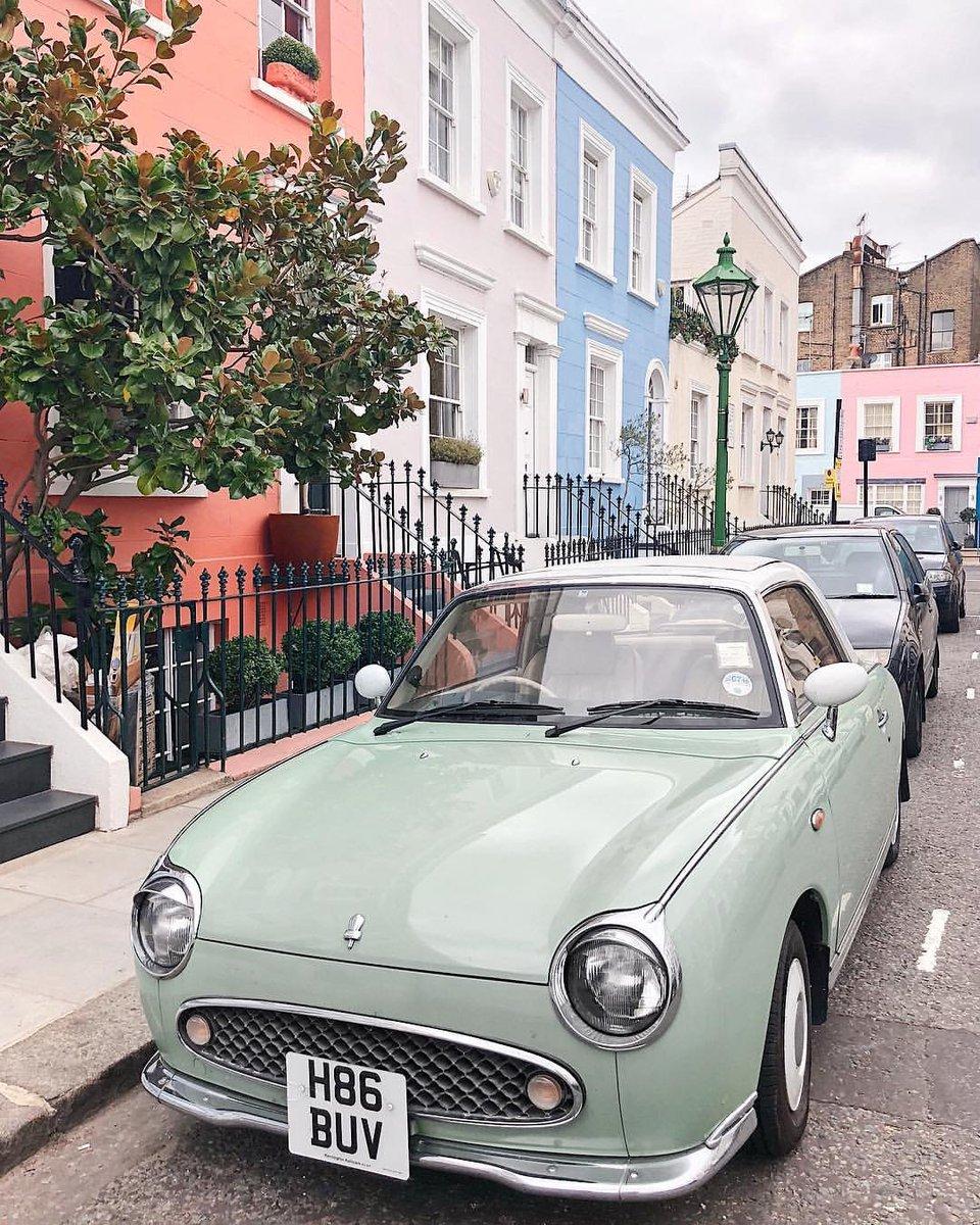 Happy Sunday from #NottingHill 🌈 [via IG/londonispink] #visitlondon