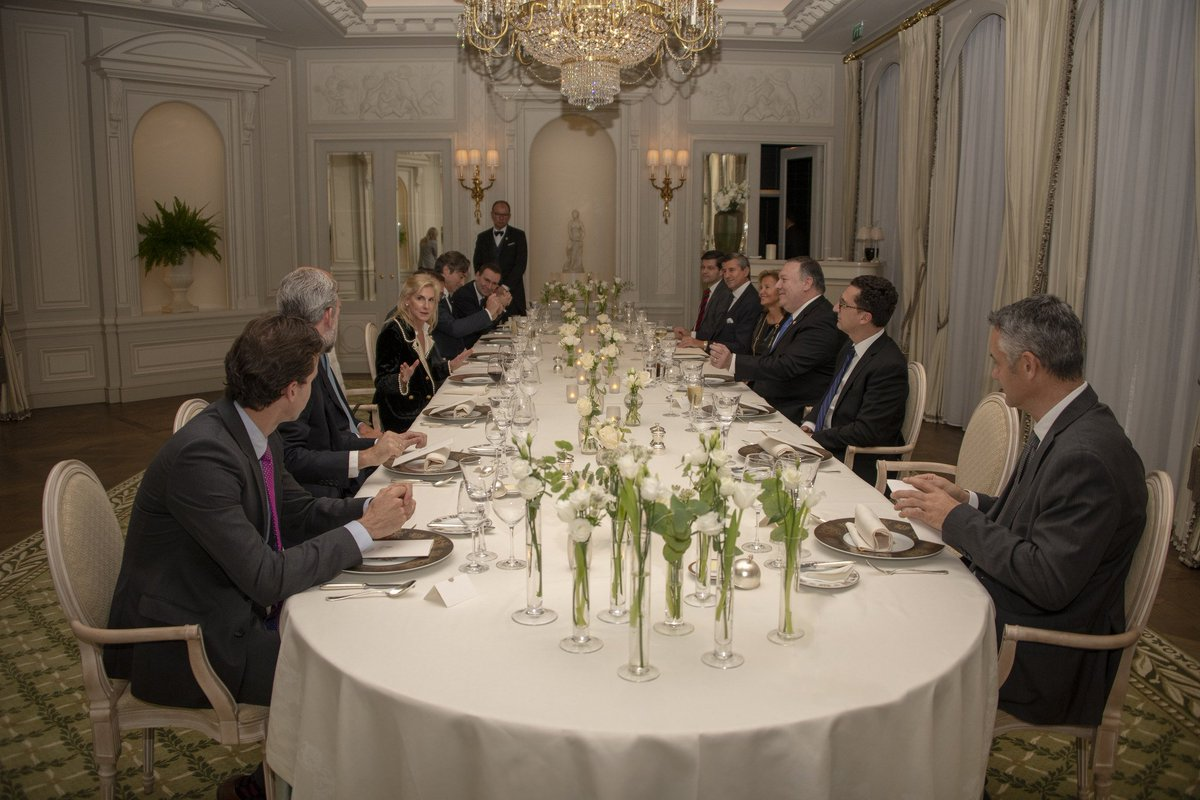 Thanks @USAmbFrance for hosting a great dinner with business leaders in #Paris. The trade and investment between our two countries is immensely beneficial to us all.