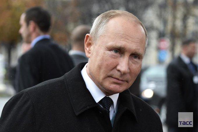 Владимир Путин положительно относится к идее Эмманюэля Макрона о создании общеевропейских вооруженных сил. Президент России также назвал естественным желание Европы быть независимыми, самодостаточными, суверенными в сфере обороны и безопасности: Фото