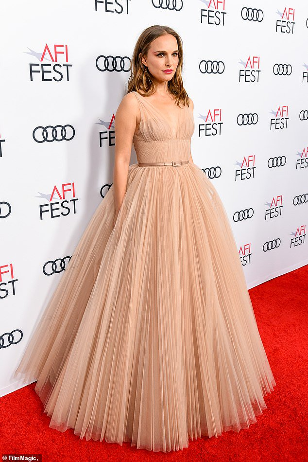 Natalie Portman in Christian Dior Haute Couture FW18.