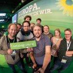 Image for the Tweet beginning: Das Team von @netzbegruenung freut