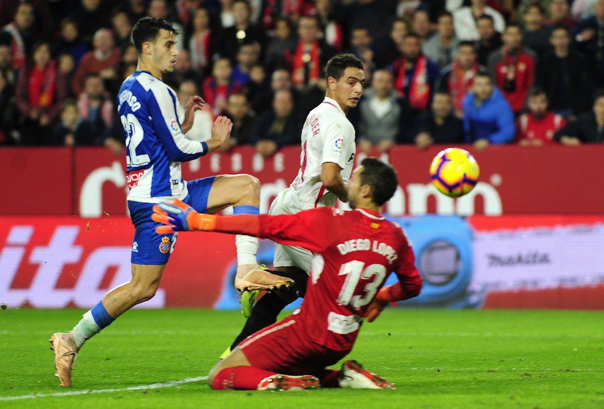 Wissam Ben Yedder's 50th goal for Sevilla lifts his club within a point of Liga leaders Barcelona. 👏👏  #UEL