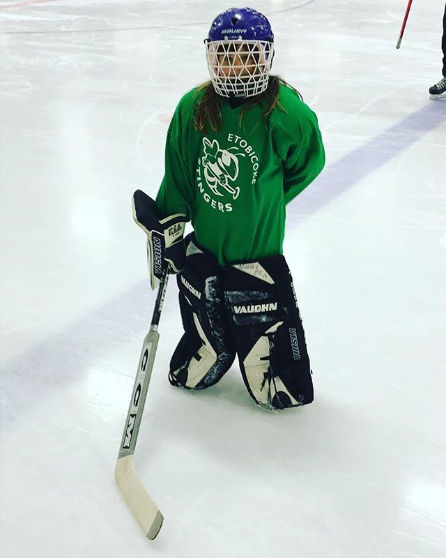 Ready for the first game as goalie. #sports #playsports #exercise #beactive #icerink #goalie #game #ringettegame #playringette #ringette #etobicokeringette #etobicokeringette #etobicokestingers #etobicoke #toronto #ontario #canada https://ift.tt/2POjERHpic.twitter.com/4tFZxUJwXG