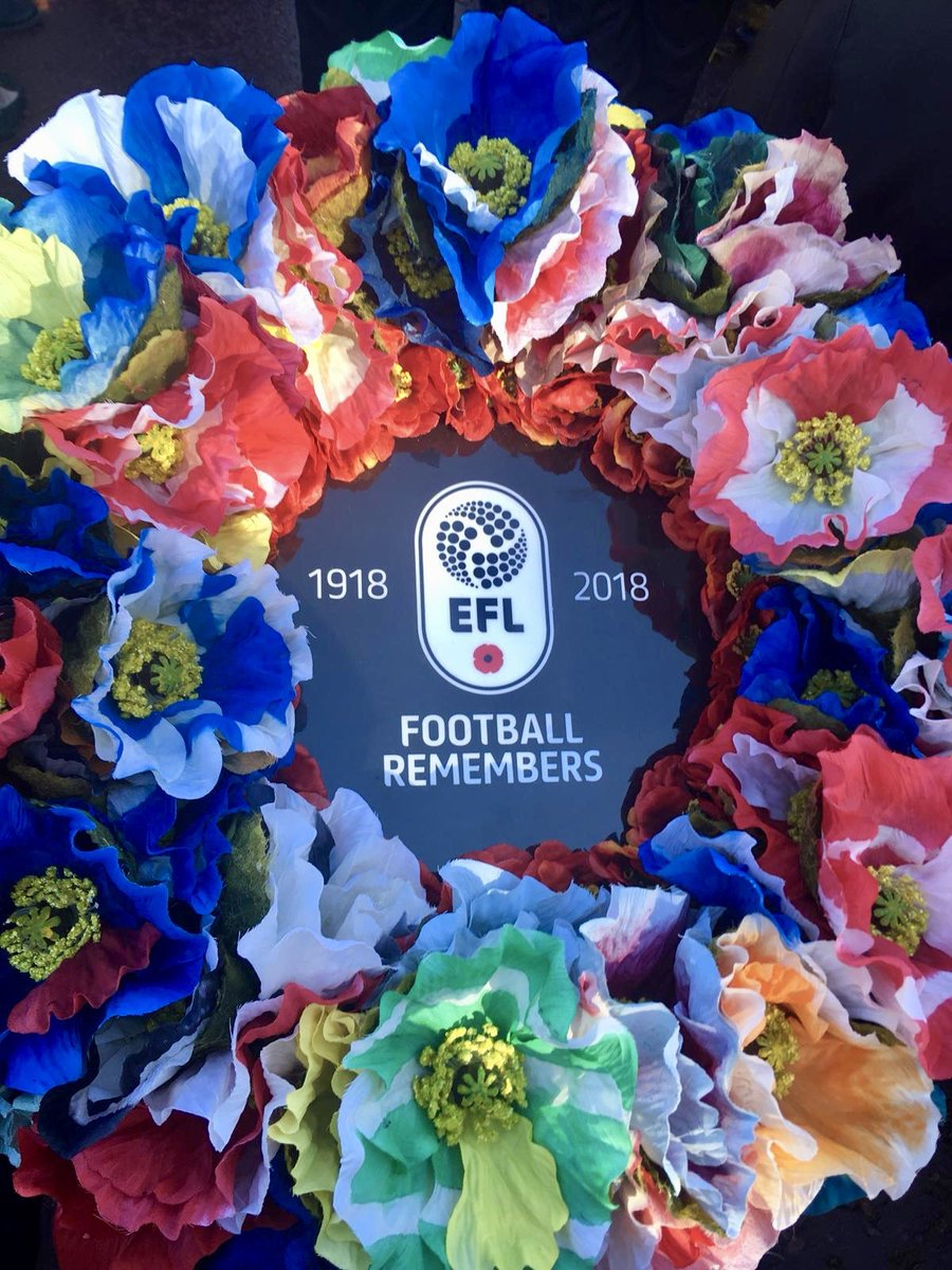 Today an EFL wreath was laid at the Cenotaph in the People's Procession to mark #Armistice100 72 clubs. 72 unique poppies. We will remember them. #FootballRemembers #RemembranceDay2018 efl.com/football-remem…