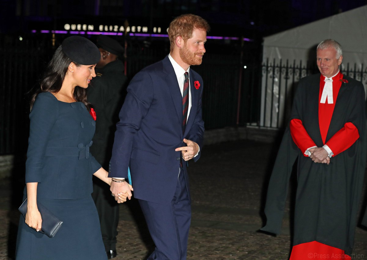 RT @KensingtonRoyal: The Duke and Duchess of Sussex arrive at @Wabbey for this evening's service. #Armistice100. https://t.co/yZ8Qmr4rc1