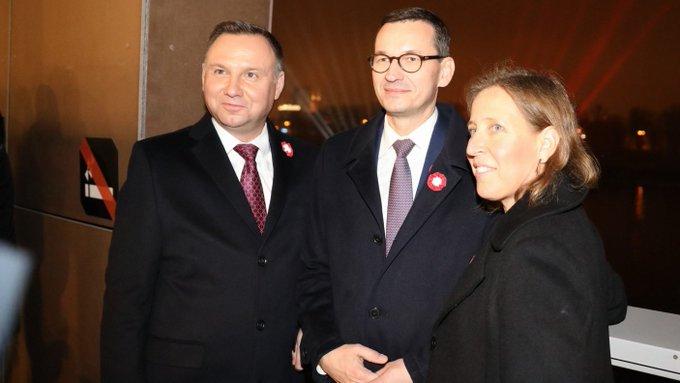 żródło: https://www.tvpparlament.pl/aktualnosci/premier-morawiecki-spotkal-sie-z-prezes-youtubea-susan-wojcicki/39911956?date=20201215