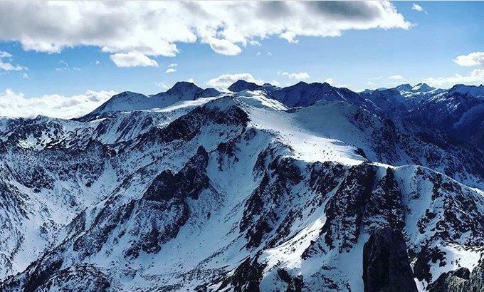 Le Roc Blanc 2540m en Donezan 🙌❄️ 📷 jujud31520 merci #donezan #ariege #pyrenees