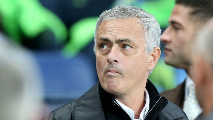 Mourinho: Creo que no vamos a descender #PremierLeague #ManchesterUnited Photo