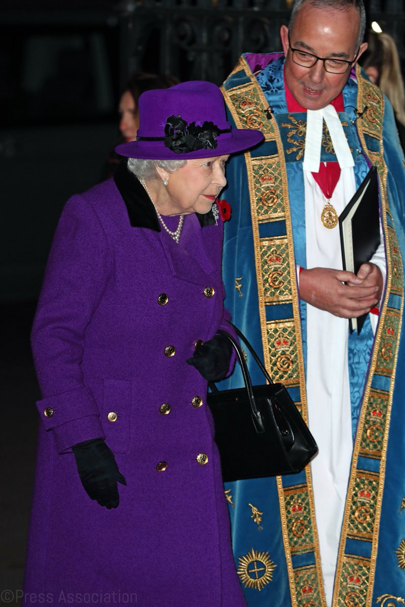 The Queen arrives at @Wabbey to attend A Service to mark the Centenary of the Armistice. #Armistice100