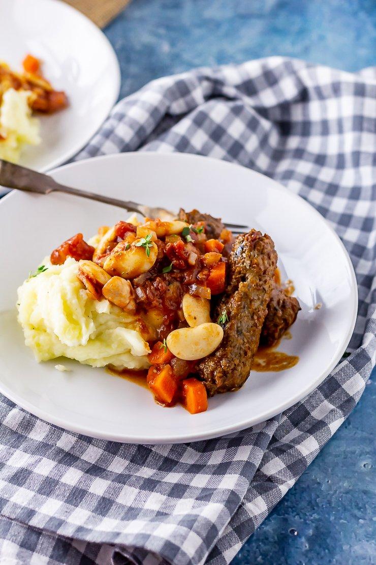Vegetarian Sausage Casserole  Get the recipe:  https:// thecookreport.co.uk/vegetarian-sau sage-casserole/ &nbsp; … <br>http://pic.twitter.com/3VzFSpGIMp
