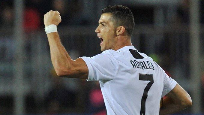 Cristiano Ronaldo pela Juventus: 15 jogos 9 gols 5 assistências Photo