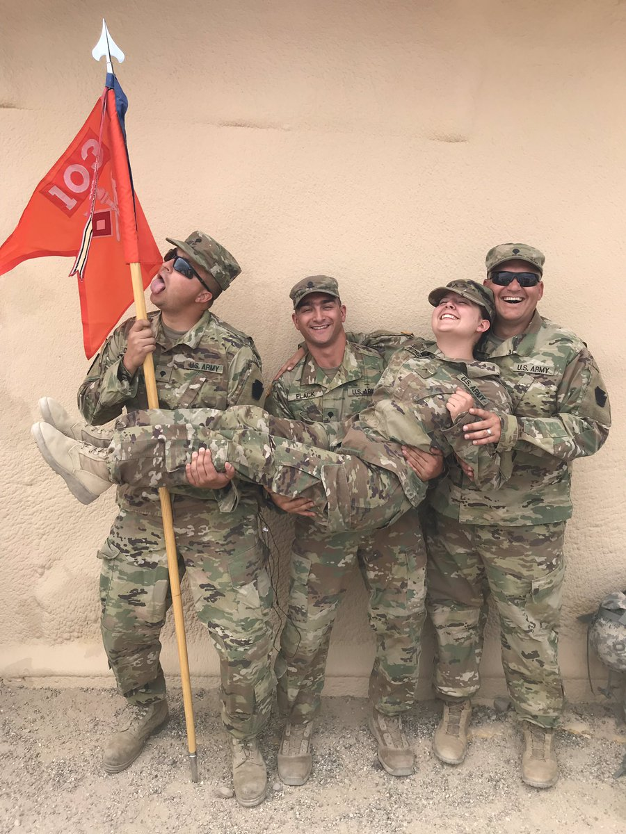 RT @izzy_petrush: So happy to serve with my favorite hooligans 💚 #VeteransDay2018 https://t.co/0nniwT5XBz