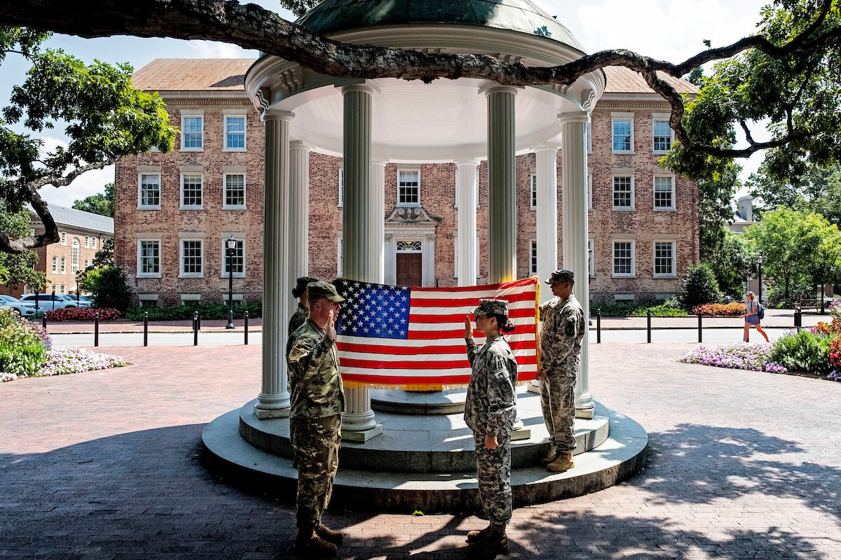Happy Veterans Day to our service men & women, and over 250 @UNC student veterans who served before their college careers. Thank you for your service & dedication to our nation. https://t.co/jQzqsuJq4b