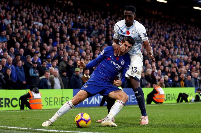 Maurizio Sarri Reacts To Chelsea's Goalless Draw With Everton Foto