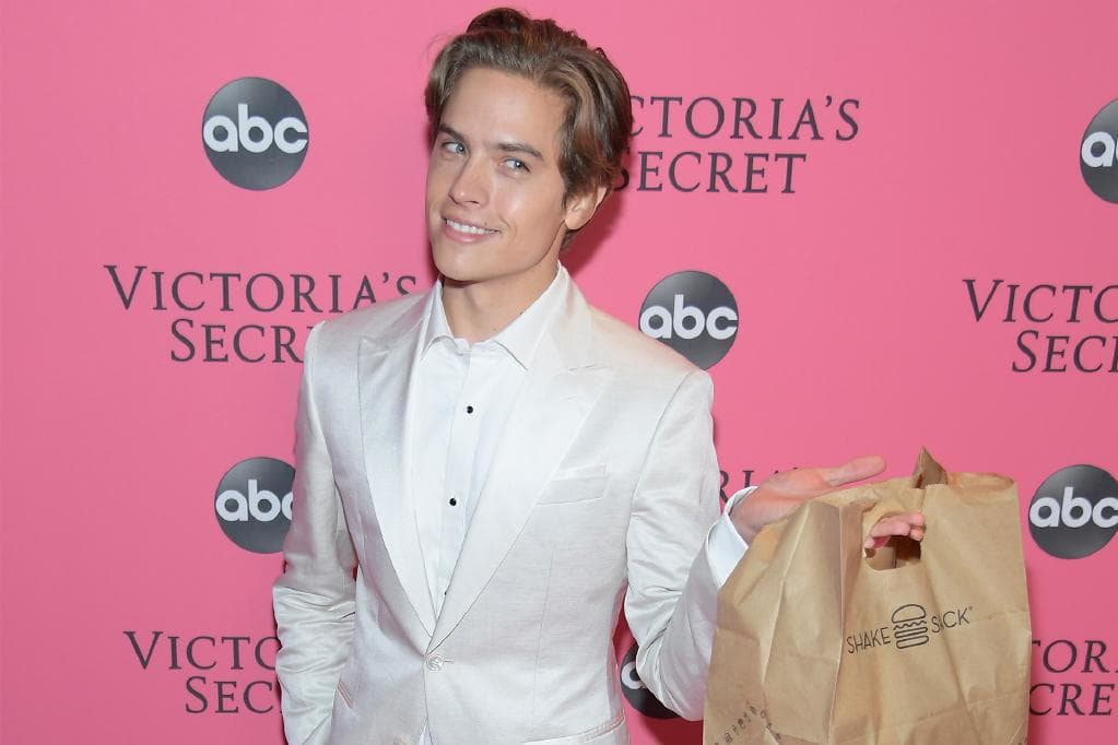 .@dylansprouse's #VSFashionShow Red Carpet Date Was A Cheeseburger. https://t.co/5NmylQ3mzR