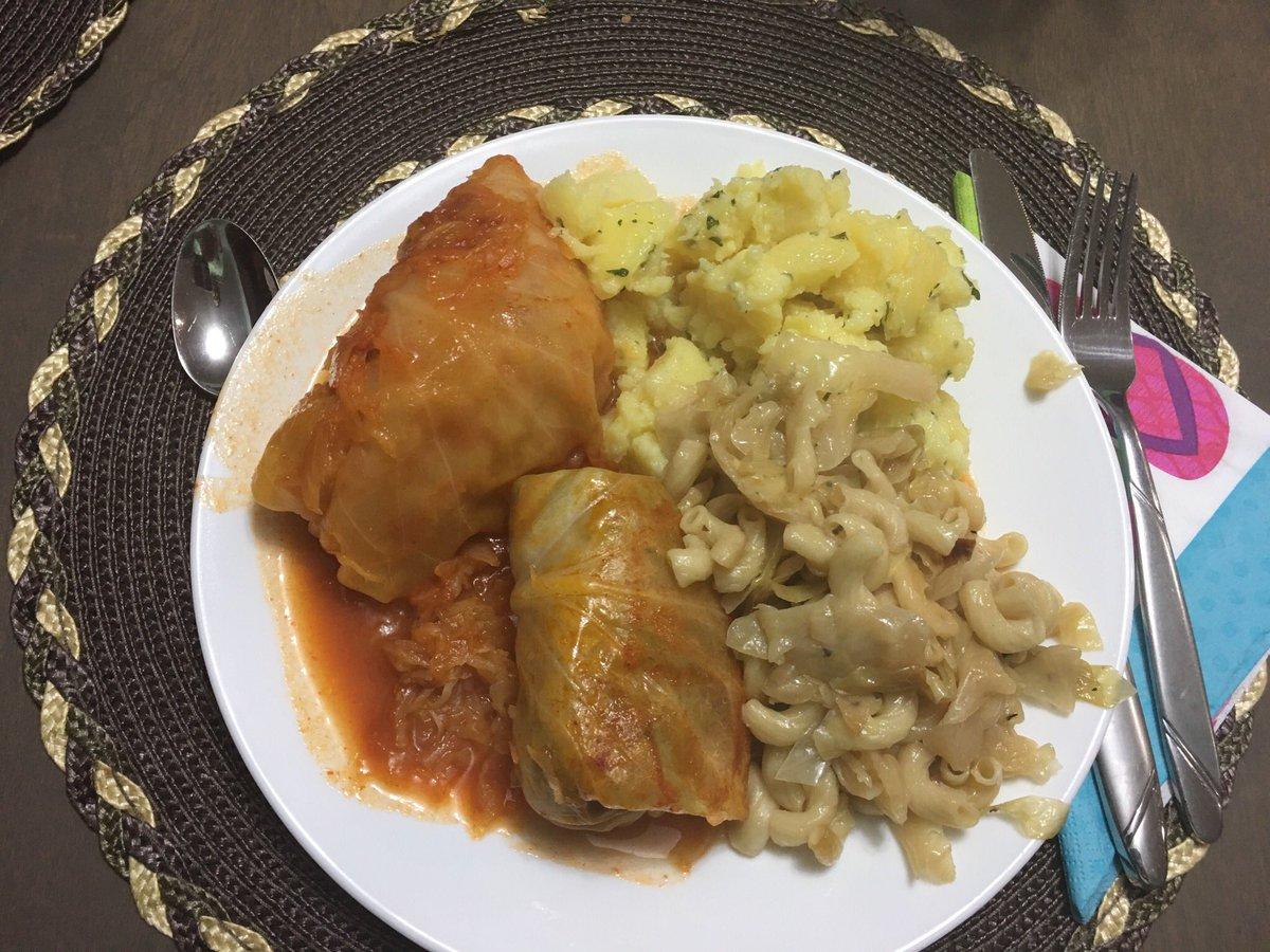 Love mom's home cooking.  Cabbage rolls Mmmmm https://t.co/YqblSjrmVl