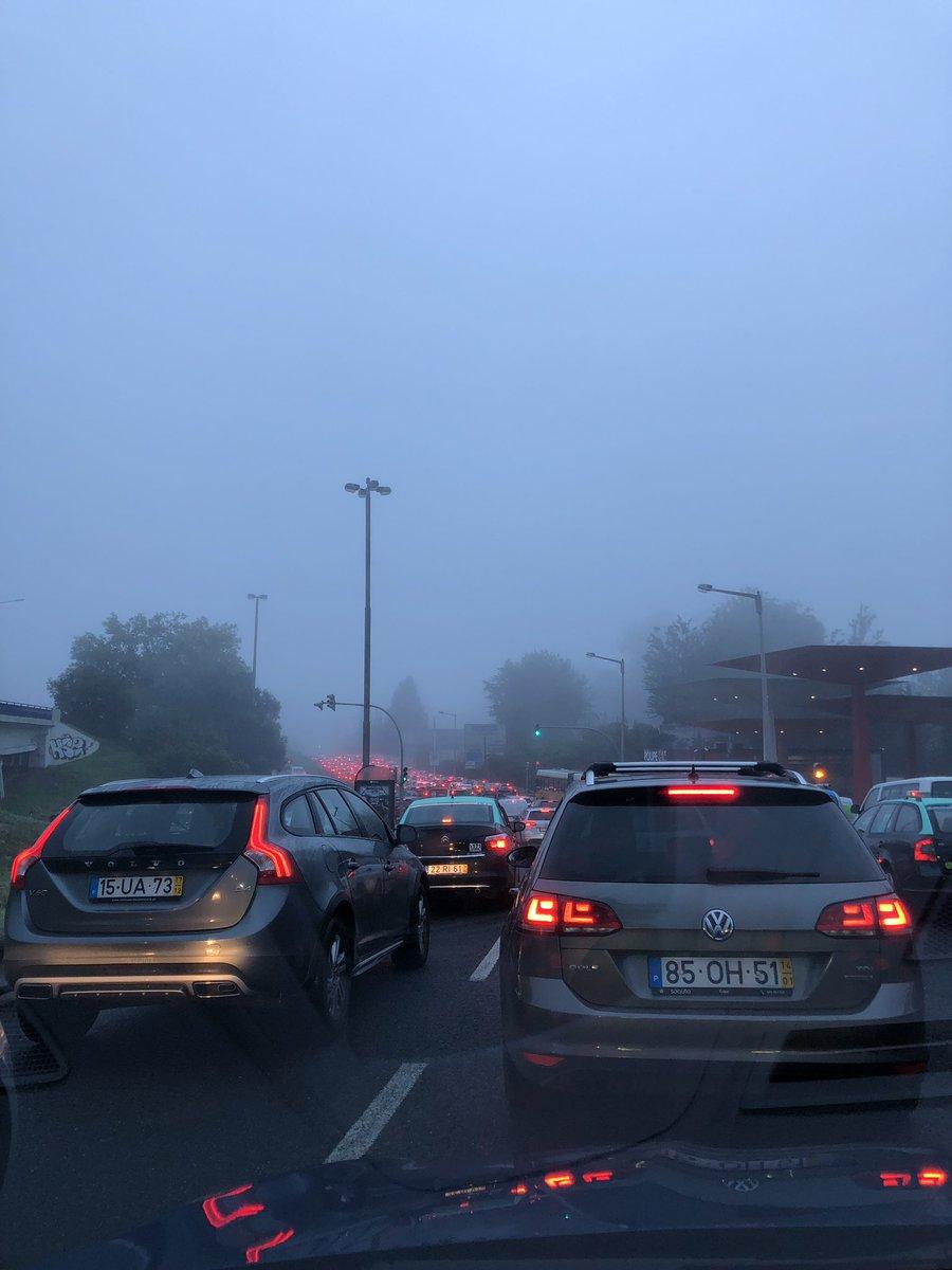 Bom dia Lisboa #winter #colder #morning #work #privatedriver #solidrecord #uber #taxify #chauffeurprive