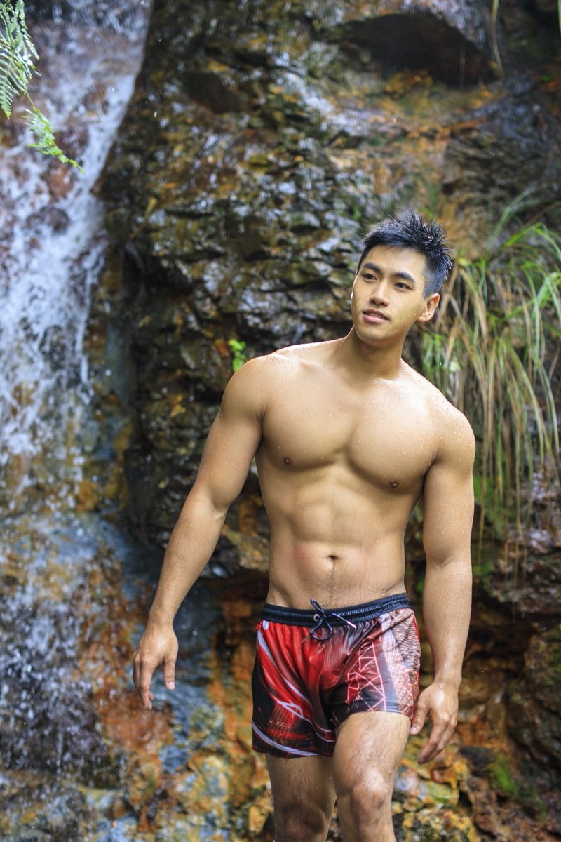 Nic走來走去~~ #malemodel #PicOfTheDay 【男神遊園地 Male Photography】IG: andward