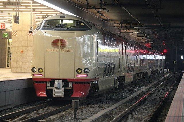 test ツイッターメディア - 【騒然】寝台特急「サンライズ出雲」で女性乗客が急死 https://t.co/Ktxfl9MUUS  JR西日本では、寝台特急内で乗客が亡くなったケースは、これまで聞いたことがないとしている。岡山県警によると、事件性はないという。 https://t.co/KAWzuCzvqv