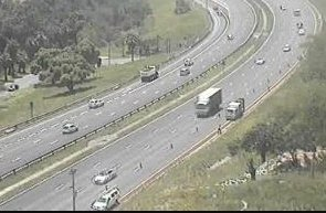 #KZNTraffic Maintenance work: N2 southbound after EB Cloete I/C, left lane closed. Please approach with caution. Photo