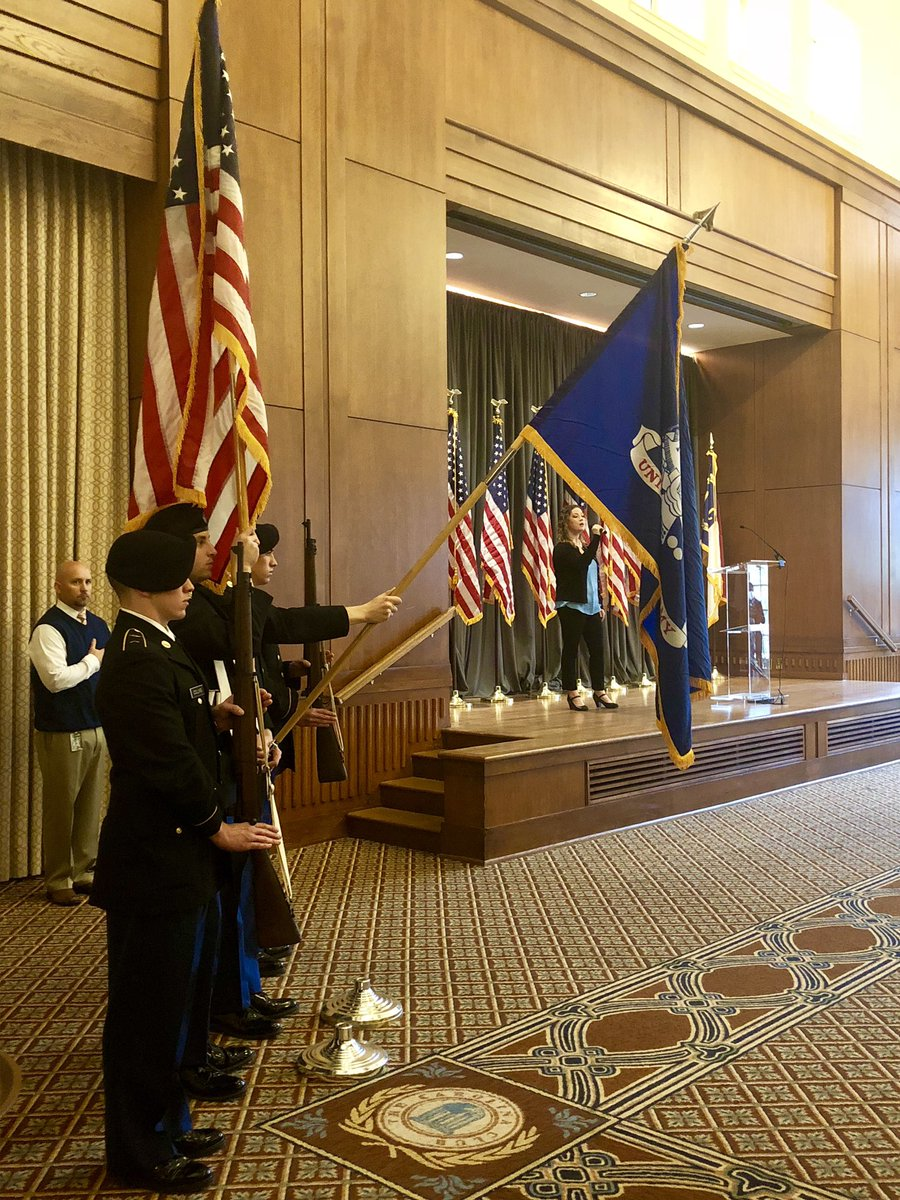 Honored to celebrate all our @UNC faculty, staff & students who served or are serving our country at the 5th annual Tar Heel Tribute – we deeply appreciate your courage and leadership. TY keynote speaker Mike Bazinet for your inspiring story and service. #VeteransDay18 https:…