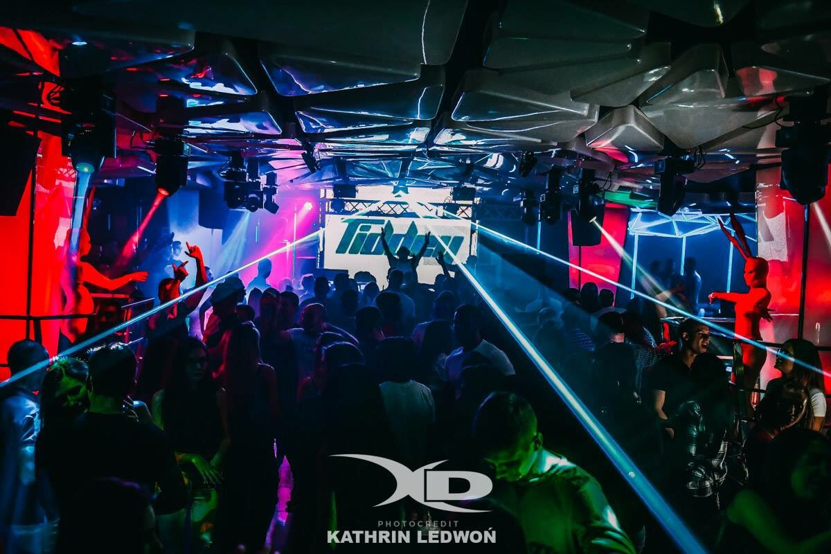 Trance Classic Night X Demon Club Wroclaw 🔈🎵🎶🎵🎶 with @chris_n2o @djadrena_line https://t.co/x6ogmFXLmC