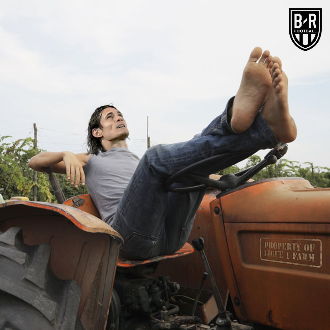 Time for PSG to take a break from club duty 🚜