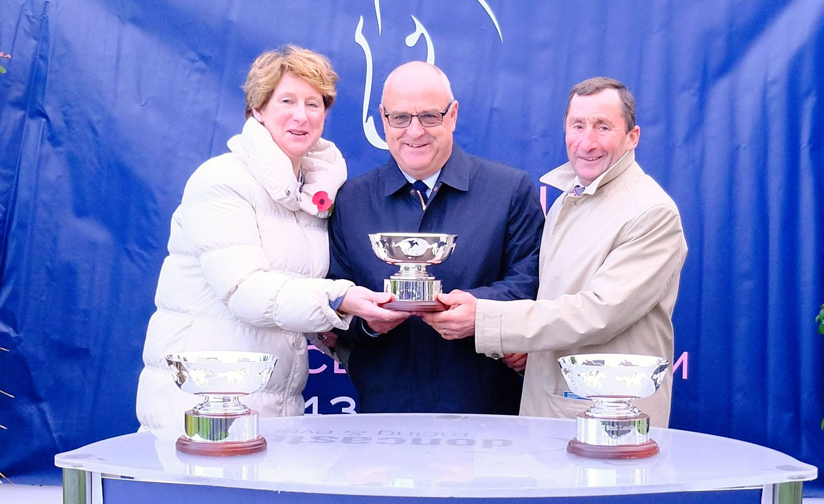 On Saturday, we were delighted to crown @RichardFahey as our @cliff_stud Leading Trainer for our 2018 flat turf season 🏆  He achieved: 🥇 11 Wins 🥈 5 Seconds 🥉 12 Thirds  A fantastic season, congratulations Richard!