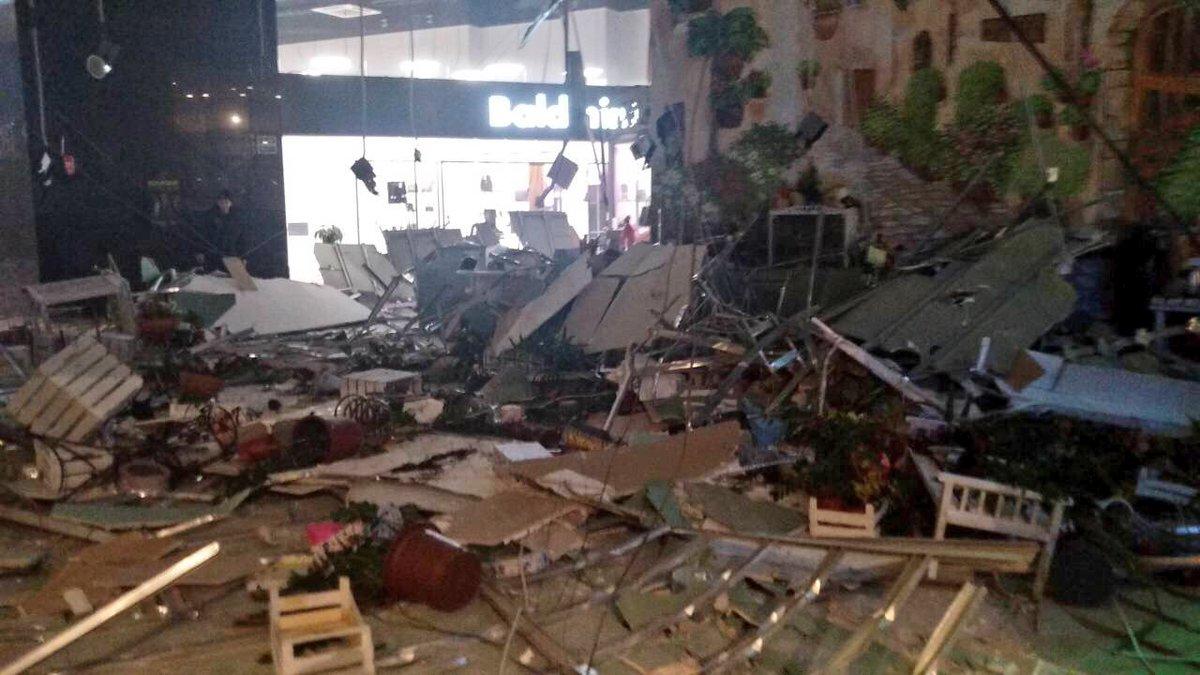 В торговом центре Минска рухнул потолок, есть пострадавшие