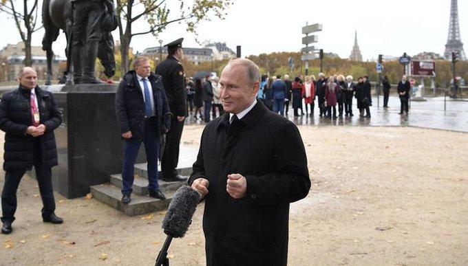 В Кремле оценили решение не читать письмо русского солдата в Париже Фото