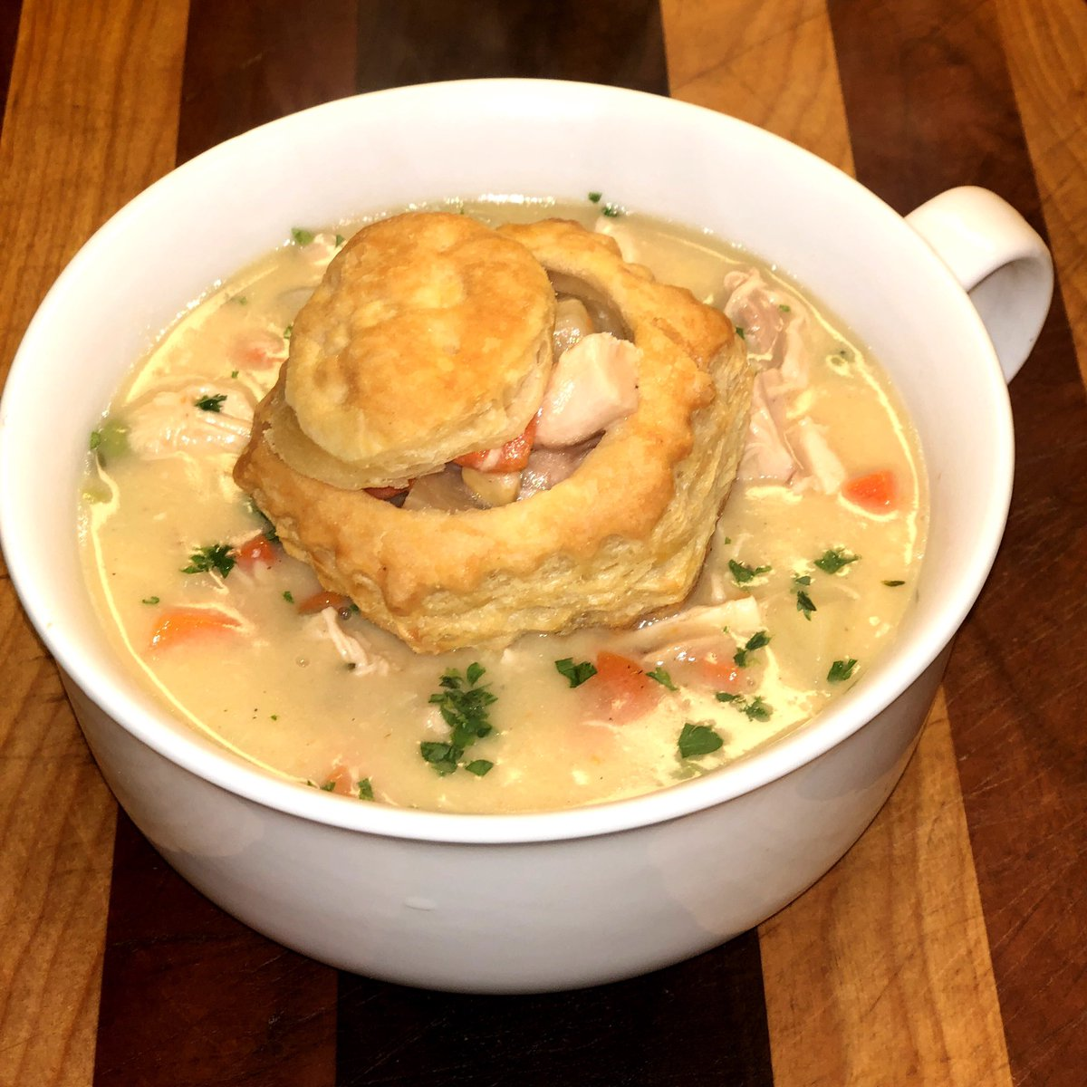 .@chrissyteigen Your recipe for Chicken Pot Pie Soup was perfection! #Cravings https://t.co/VYQ3NBgtHd