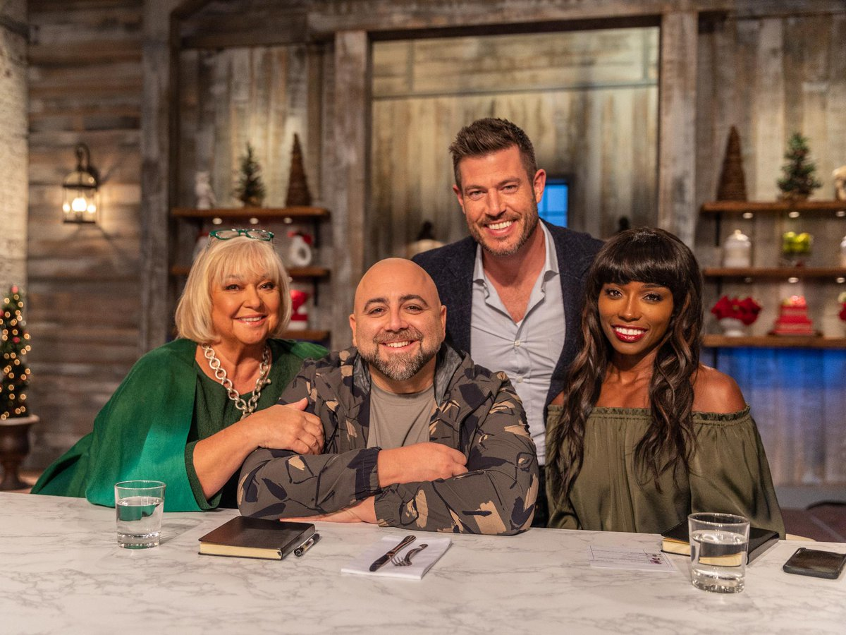 @FoodNetwork: .@JessePalmerTV & the judges are back for an all-new #HolidayBakingChampionship NEXT at 9 8c! https://t.co/MCDSpxhfA0