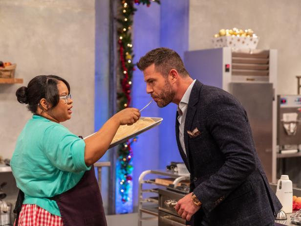 Go behind-the-scenes of tonight's festive family baking challenge! #HolidayBakingChampionship https://t.co/JQdZZGvBSJ