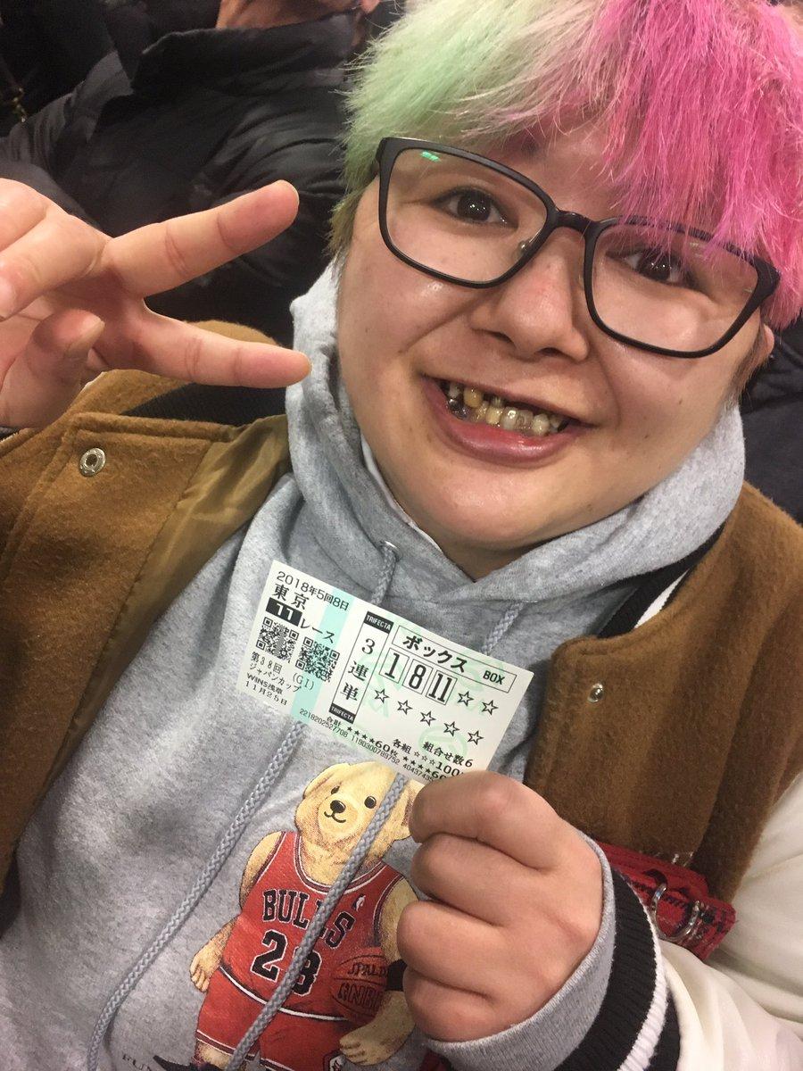 日給3000円、ネットカフェ難民、33歳。超 ...