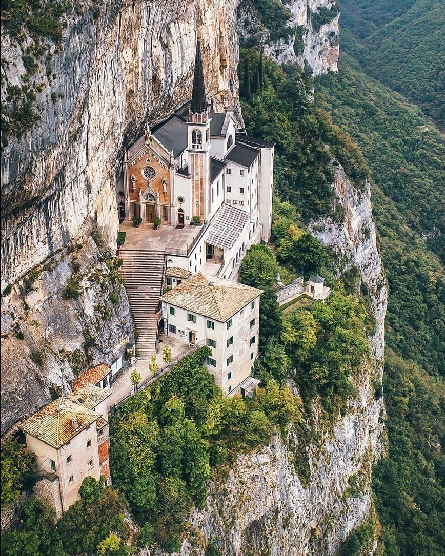 ???? Lovely Sunday Twitterworld ???? ???? Madonna della Corona sanctuary ????????⛪ (????: by stefanogera)