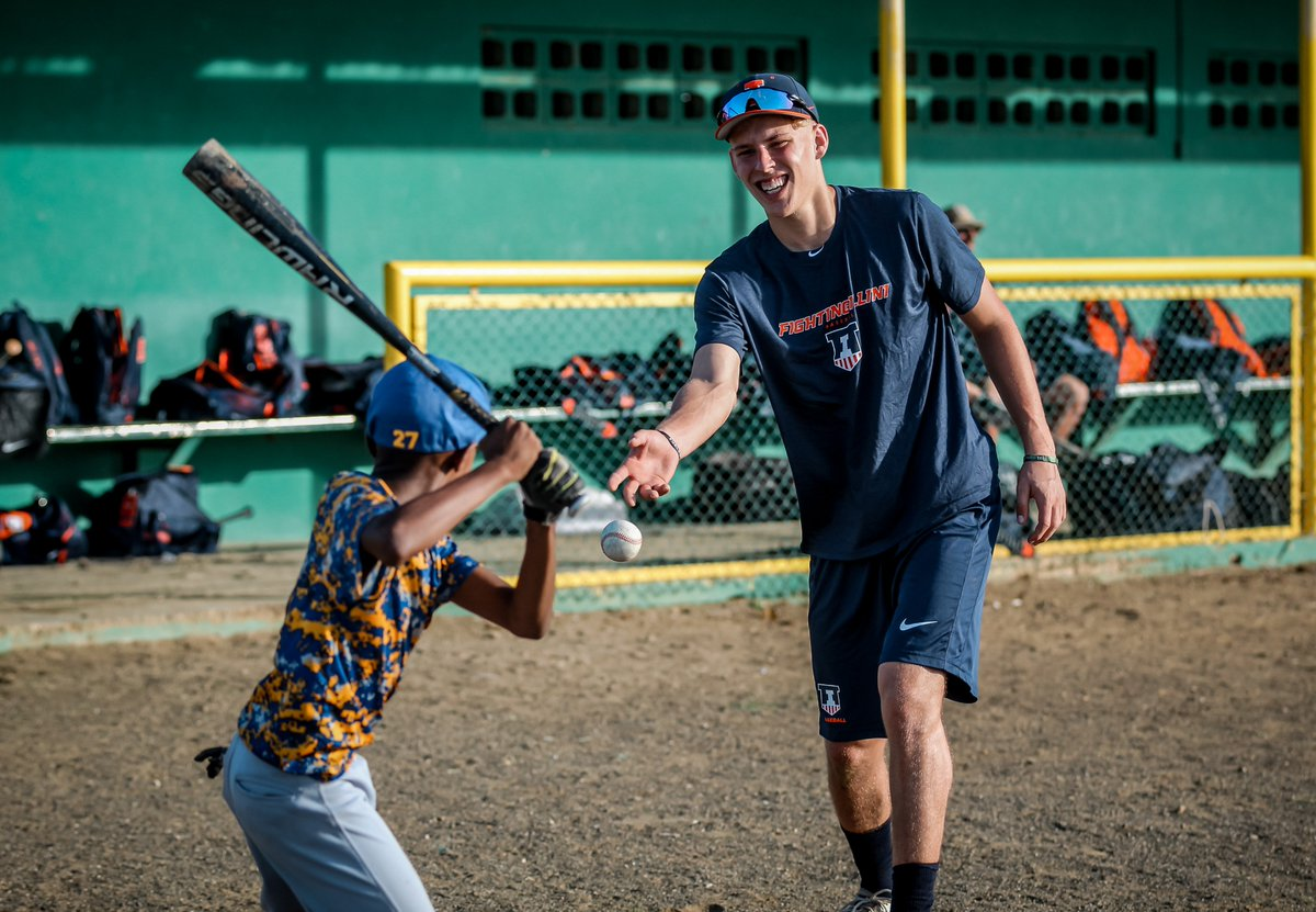 Christmas break baseball camps in illinois