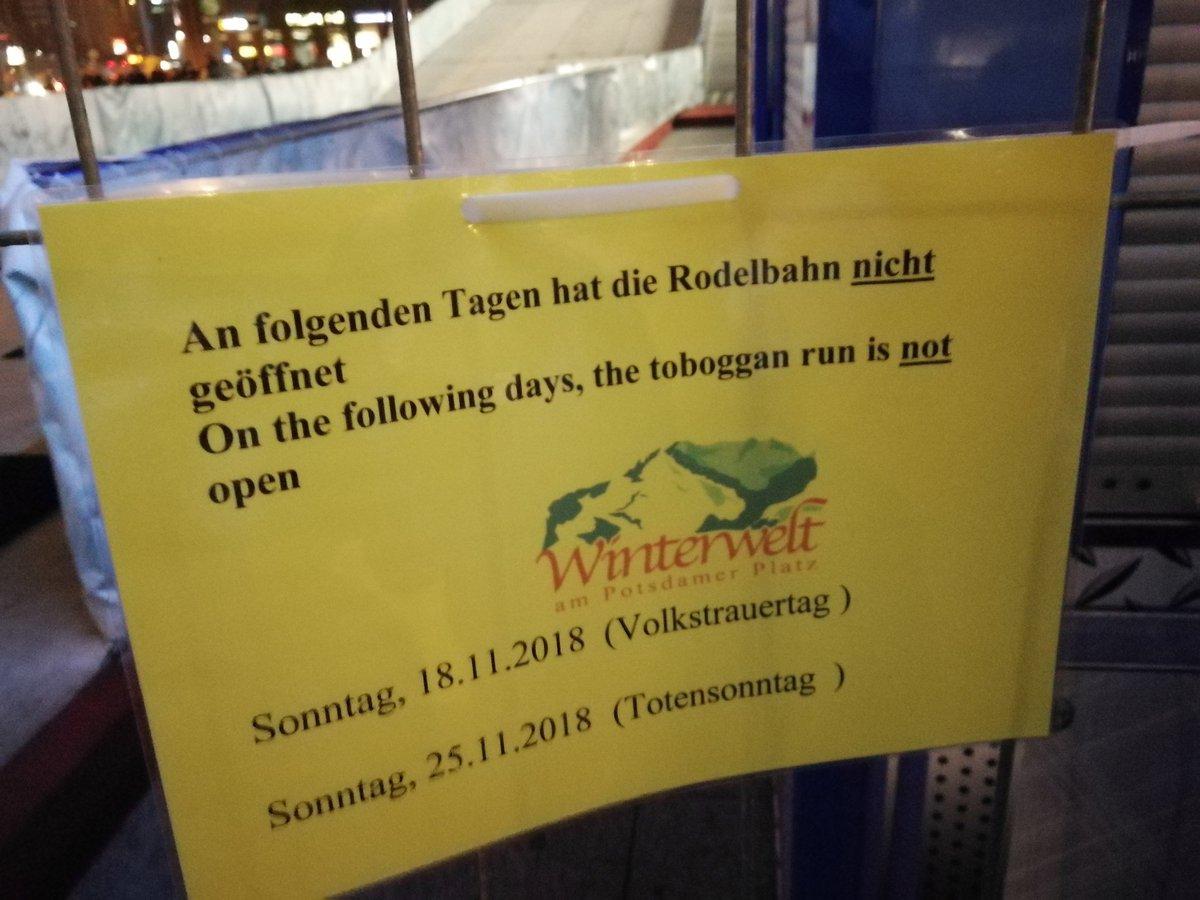 Weihnachtsmarkt Totensonntag Geöffnet.Kai On Twitter Am Potsdamer Platz Ist Ein Offener Glühwein Stand
