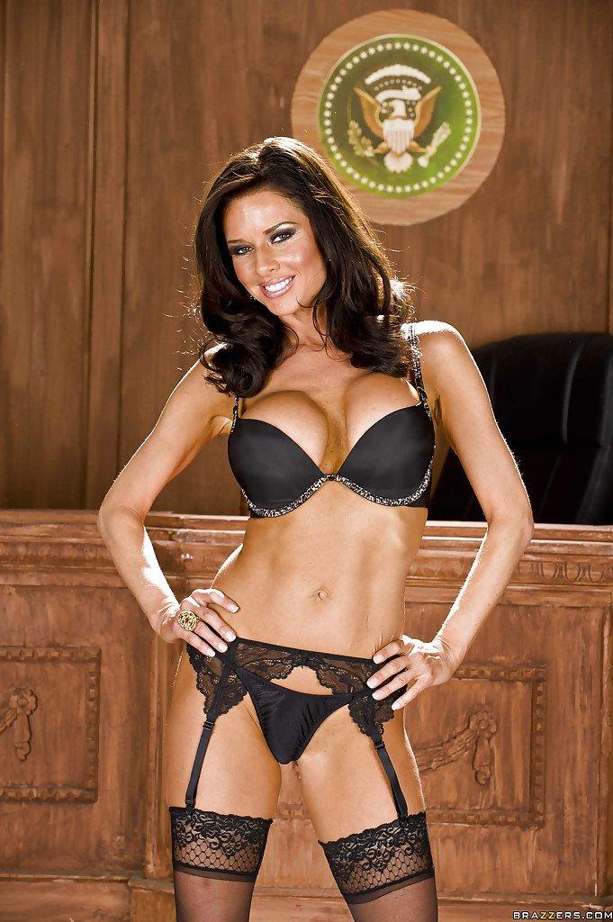 Veronica avluv stripping off not