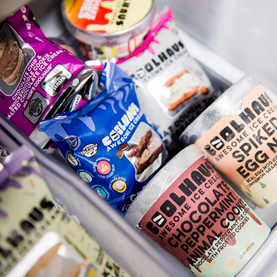 All about a healthy balance between pints + sammies #Coolhaus #IceCream https://t.co/V8eYx9QtMc
