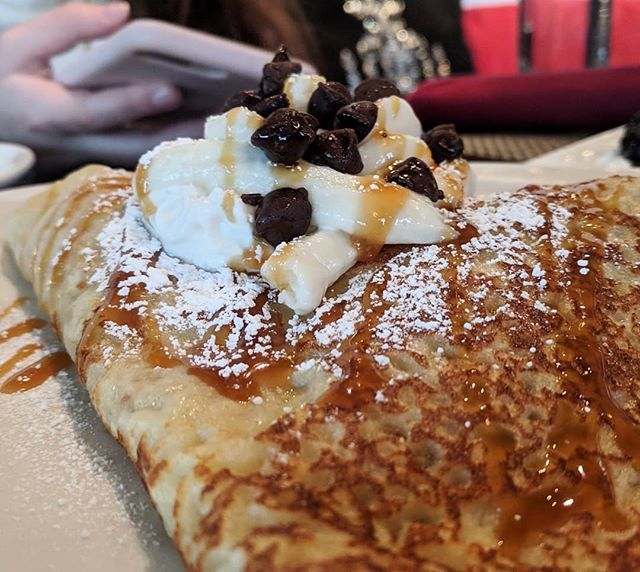 Never had a crepe before this, not disappointed . . #icebearphotos #crepe #frenchcafe #paris #frenchfood #brunch #foodphotography #breakfastwithfriends #macro #breakfast #googlepixel #pixelperfect ift.tt/2FPPGJk